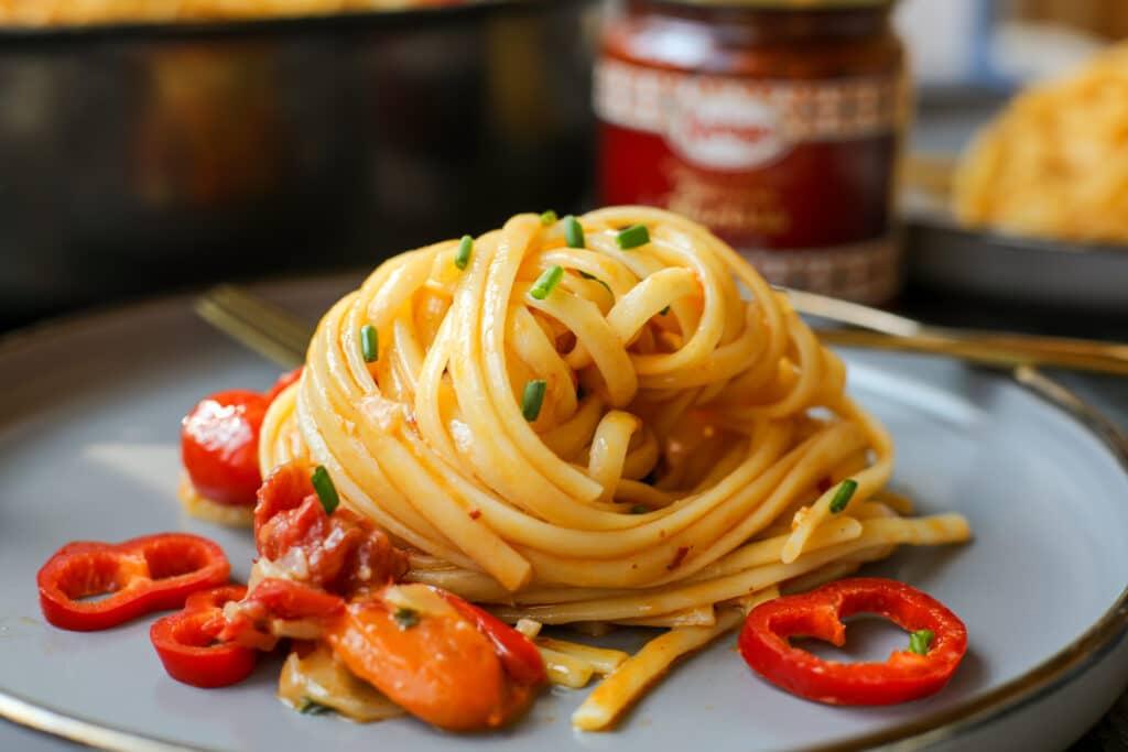 Creamy Harissa Pasta – Healthyish Foods