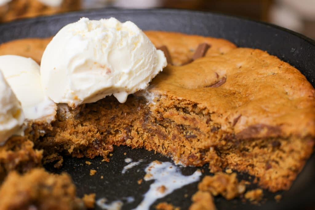 Plant-Based Tahini Date Cookie Skillet - Healthyish Foods