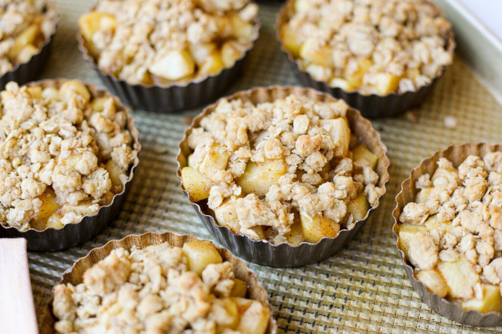 Cinnamon Apple Crumble - Healthyish Foods