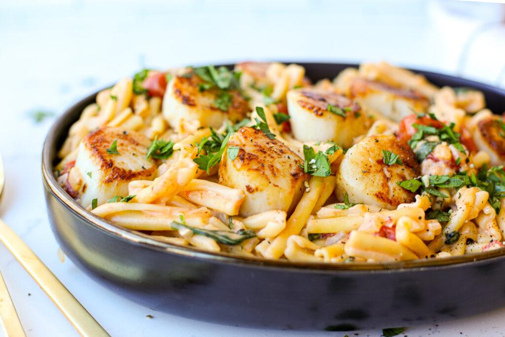 Creamy Seared Scallop Pasta – Healthyish Foods