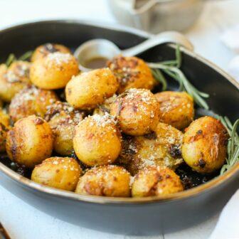 One Pan Crispy Smashed Potatoes – Healthyish Foods