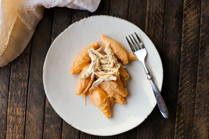 buffalo chicken mac n' cheese - healthyish foods